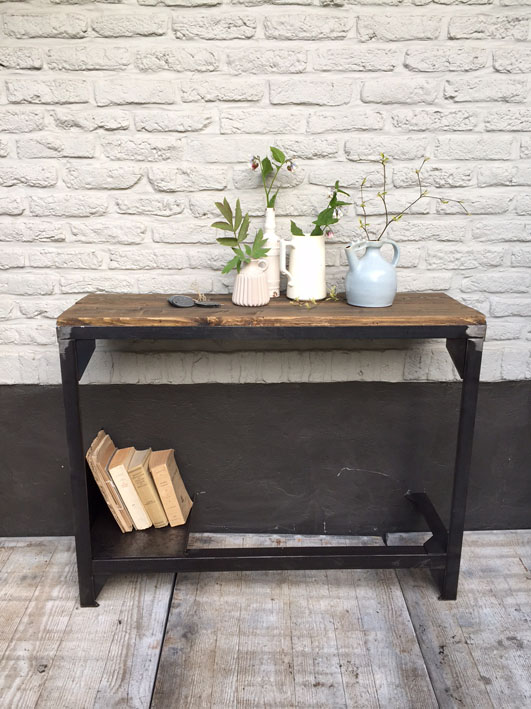 meubles de rangement industriel m tal bois. Black Bedroom Furniture Sets. Home Design Ideas