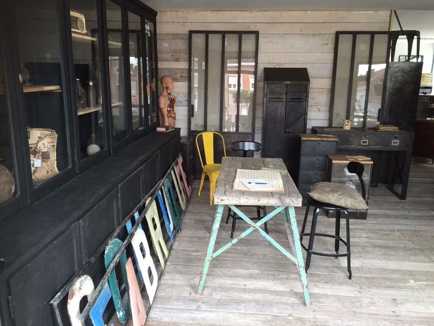 Tables industrielles l 39 or du temps mobilier industriel for L or du temps meuble industriel